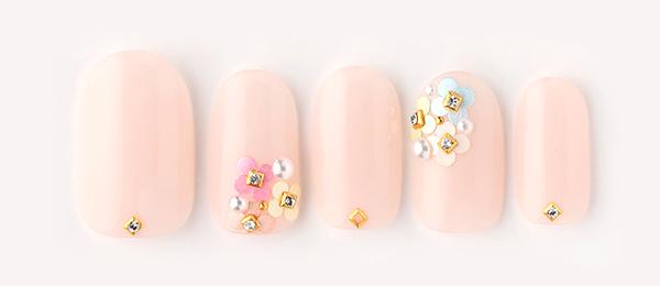 beige × flower(中西 優奈) | ネイルサロンtricia(トリシア)銀座店