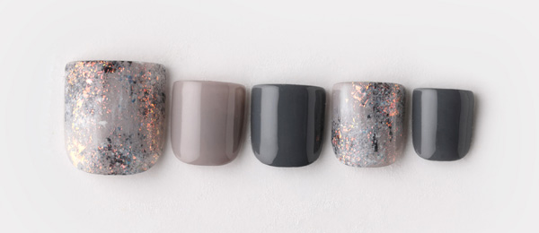 gray nail(西村 亜耶) | ネイルサロンtricia(トリシア)銀座店