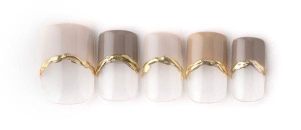 gold accessory (中西 優奈) | ネイルサロンtricia(トリシア)銀座店