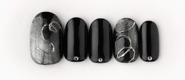 black&silver(田中 恵子) | ネイルサロンtricia(トリシア)銀座店