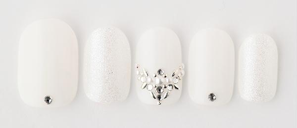 white tiara (tricia) | ネイルサロンtricia(トリシア)表参道店