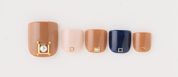 Camel pearl nail(tricia) | ネイルサロンtricia(トリシア)銀座店