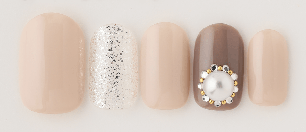 Shines Pearl(片桐 麻衣) | ネイルサロンtricia(トリシア)銀座店