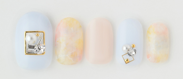 Pale color nail(田中 恵子) | ネイルサロンtricia(トリシア)銀座店